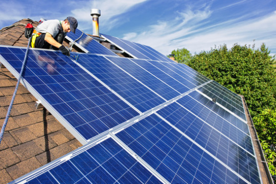 photodune-206475-solar-panel-installation-xs.jpg