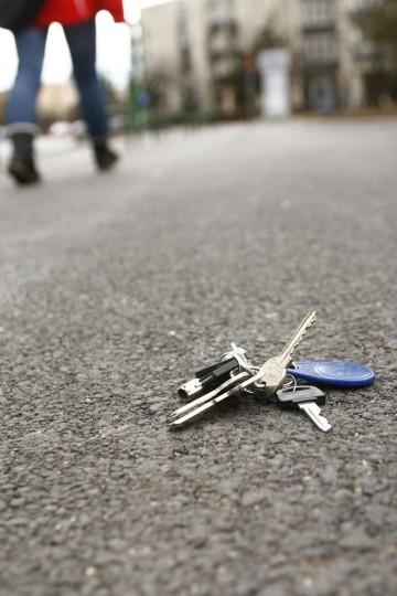 wohnungsschlüssel verloren versicherung