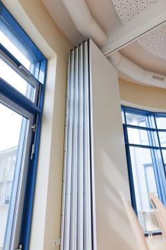 photodune-4842705-sliding-door-in-office-s.jpg