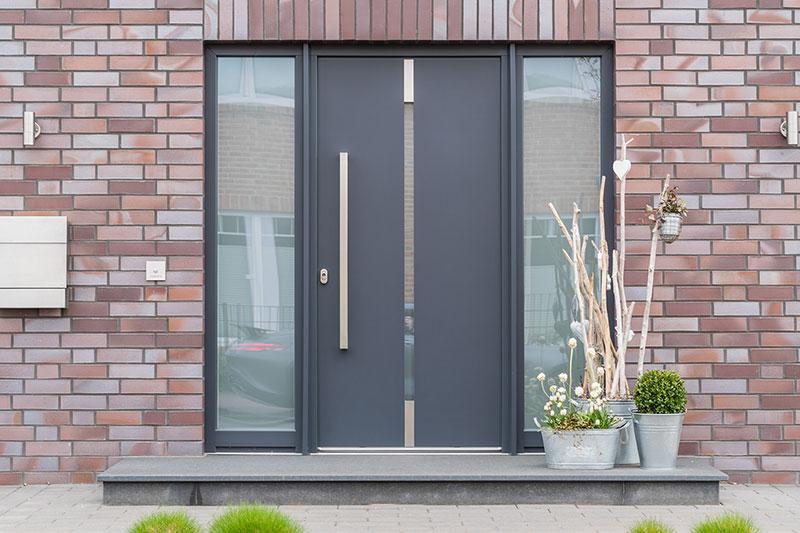 Sehr Haustür aus Kunststoff, Holz oder Aluminium? | Bauunternehmen24 HU65